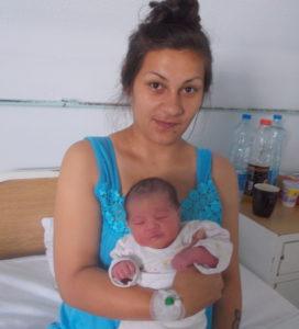 У периоду од 12.06.202018.. до 16.08.202018.. у Породилишту ОБВ рођено је 37девојчицa и 23 дечака