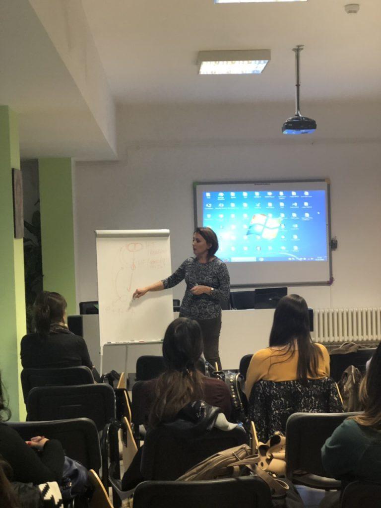 Dr Mirjana Anđelić predavač na tribina PCOS i sterilitet u organizaciji nevladine organizacije Žene  ženama.