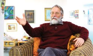 Проф. д-р. Миодраг Врчаковски – спец. неврорадиолог, текстописец и радио водител