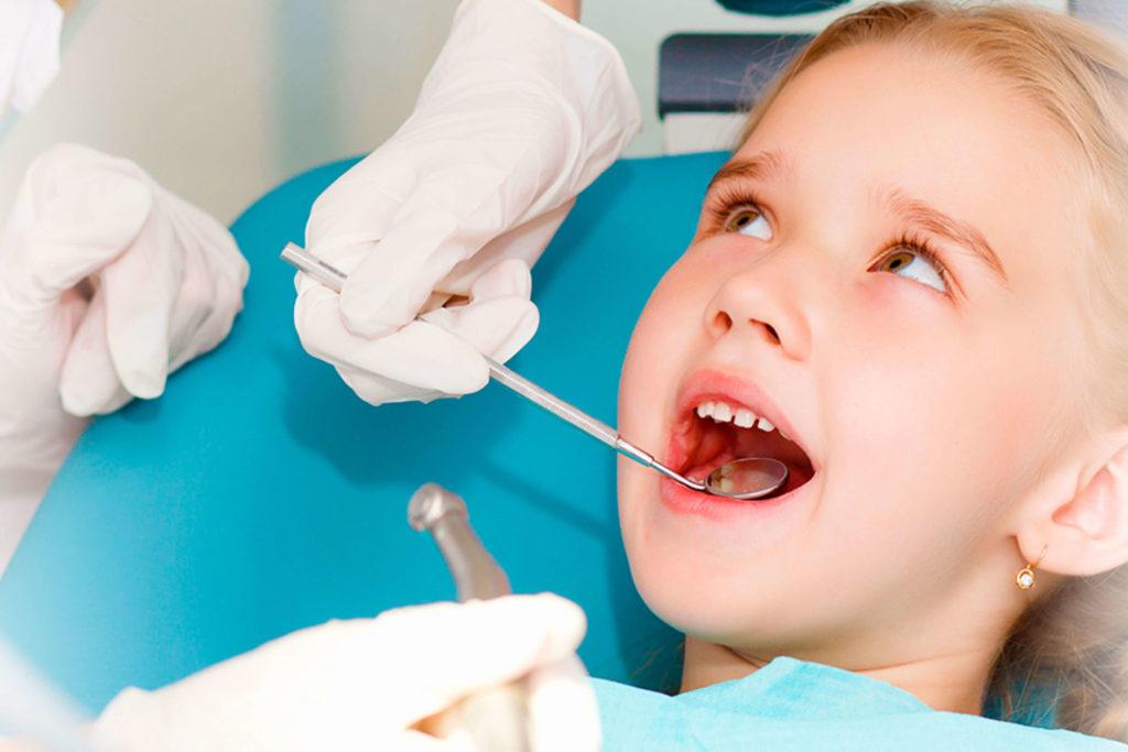 Dečiji razmak između zuba ili dijastema
