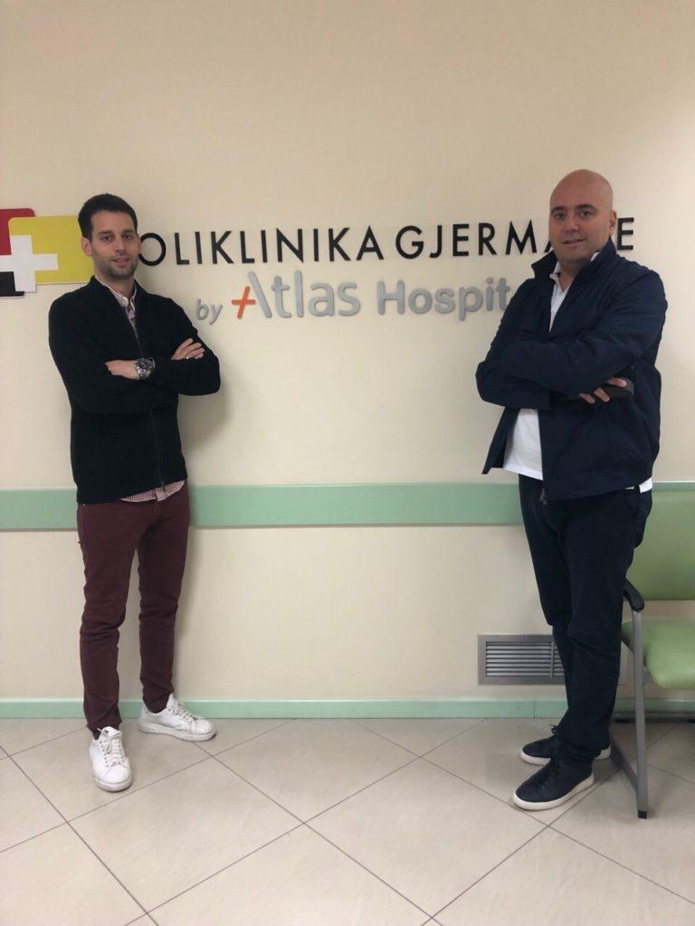 Specijalisti Atlas opšte bolnice uradili operaciju (polidaktilija) detetu u Tirani