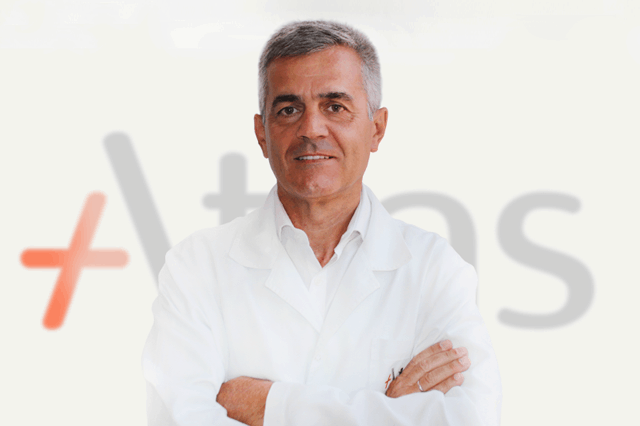 Prof dr Đorđe Gajdobranski leči najmlađe pacijente